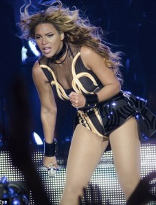 beyonce-body-costume-mrs-carter-show-392x516