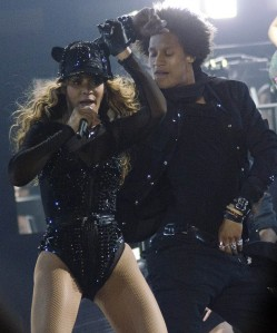 Beyonce-certainly-put-on-an-energetic-show