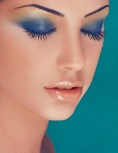 Blue-Eye-Makeup-Tips