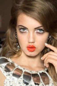 hbz-makeup-trend-ss13-lashes-Moschino-lgn