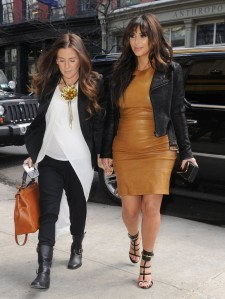 Kim-Kardashian-+goes-to+lunch-in-gucci-