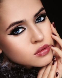 new-years-party-makeup-cat-eyes-becomegorgeous