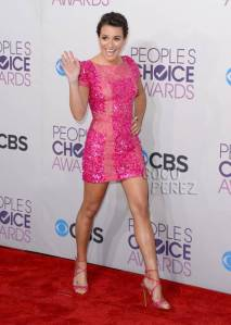 peoples-choice-awards-2013-lea-michele-red-carpet__oPt