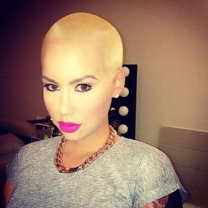 Amber-Rose-bald-blonde-hair-pic