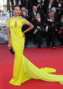 Hot-or-Hmm-Selita-Ebanks-66th-Annual-Cannes-Film-Festival-Blood-Ties-Premiere-Cadena-Gabriela-Yellow-Gown