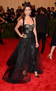 nina_dobrev_met_gala_2013_costume_institute_met_ball_punk_chaos_to_couture_red_carpet_celebrity_photos_18ogh3r-18ogh4f