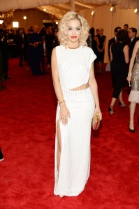 rita-ora-met-gala-red-carpet